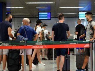 I tamponi in aeroporto adottati anche dalla Regione Lombardia