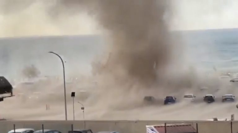 Tromba d'aria a Cefalù: paura tra i bagnanti
