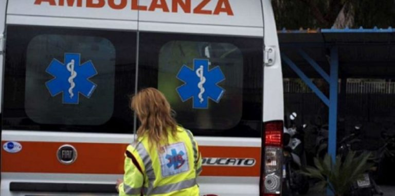 Arezzo studente cade da lucernario