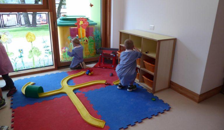 Piacenza, un bimbo è risultato positivo al Covid in una scuola materna