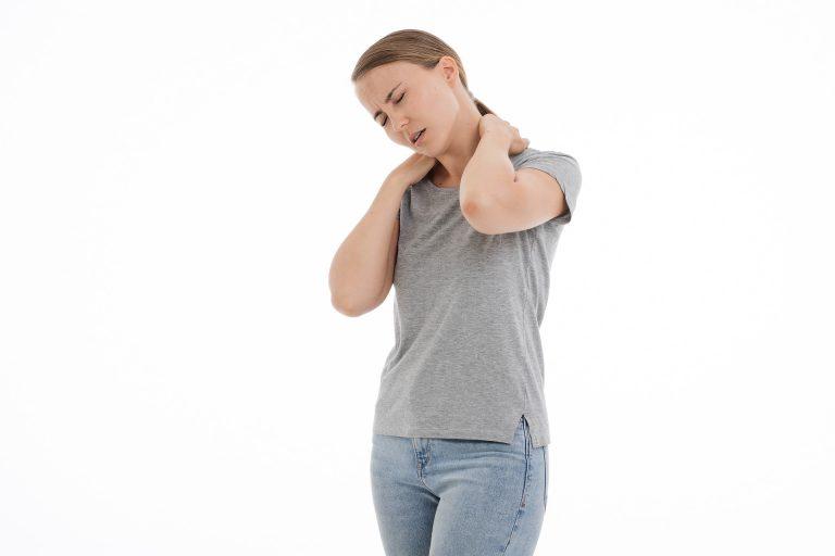 Cervicalgia: i sintomi e le cure