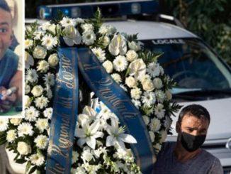 funerali Willy vestiti di bianco
