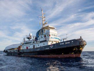 Migranti, la Guardia Costiera blocca la missione della Mare Jonio