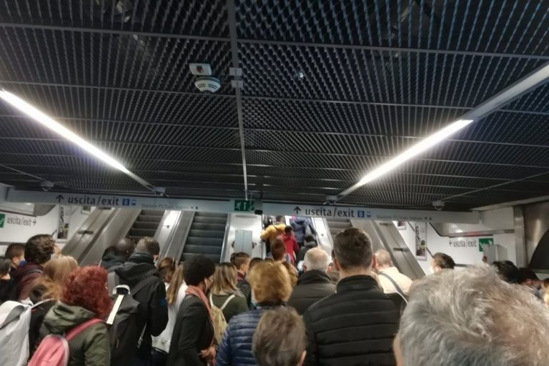 scale mobili metropolitana roma