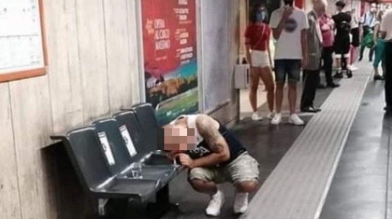Sniffa cocaina stazione Metro
