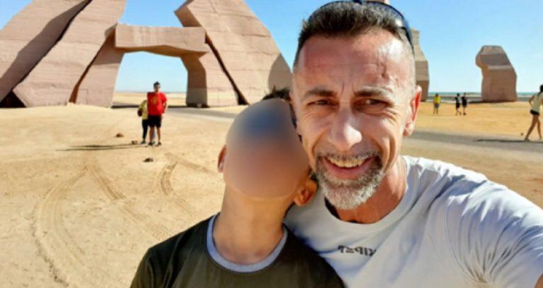 uccide il figlio di 11 anni