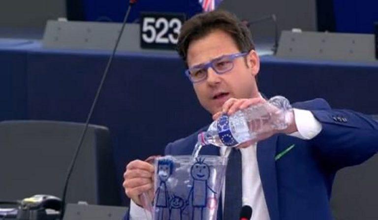 """Un parlamentare leghista: """"Più contagi in Francia e Spagna? Sono sporchi"""""""