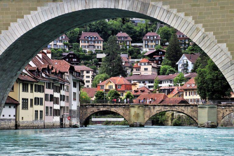 Le nuove restrizioni in Svizzera coronavirus