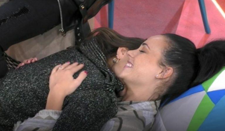 Adua Dayane bacio