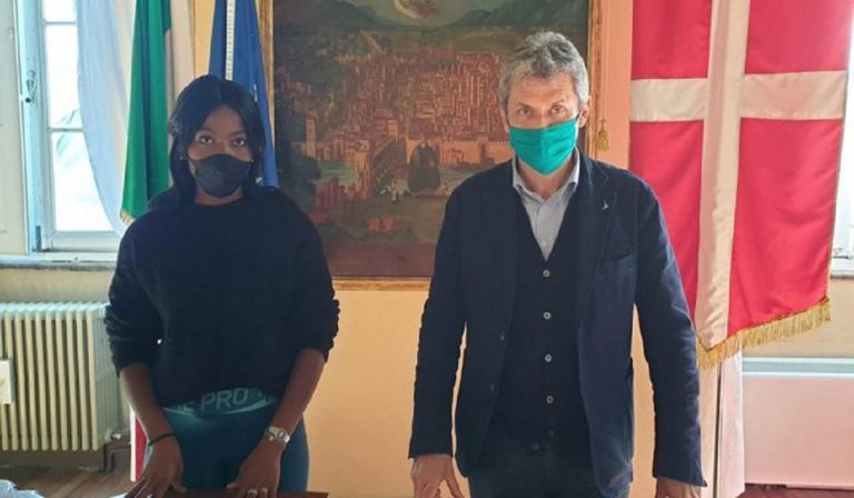 Atleta africana insultata al bar: sindaco di Pavia chiede cittadinanza