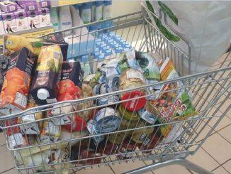 Mantova, fermato all'uscita del supermercato: è positivo al Covid