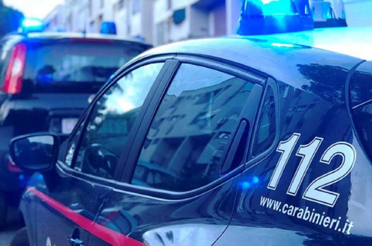 A Colli Albani un uomo distrugge 50 automobili in sosta a sprangate