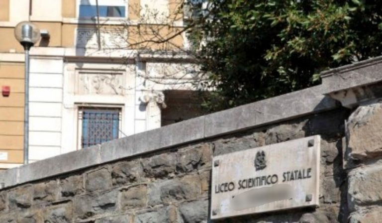 liceo violenza sessuale
