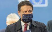 Natale, Conte annuncia controlli anti Covid per chi rientra dall'estero