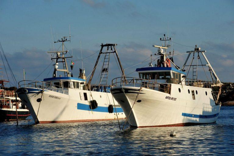 Libia, i pescatori sequestrati saranno processati