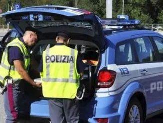 Urtati da un'auto: due morti a Castel Volturno