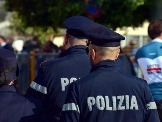 napoli polizia celere