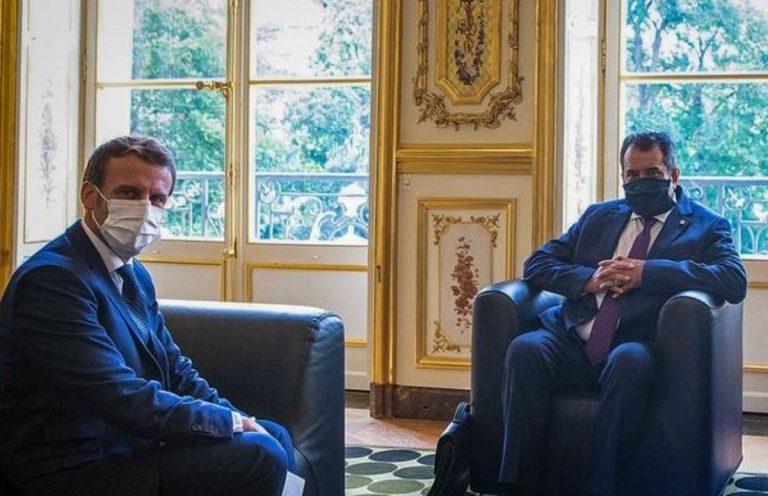 Il presidente della Polinesia Fritch con il Presidente francese Macron