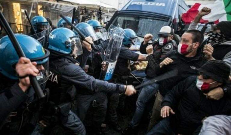 scontri roma manifestanti polizia