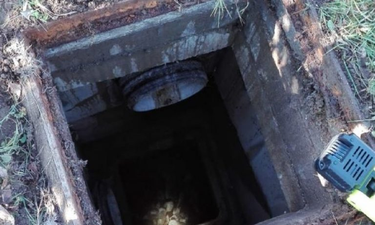 Uomo caduto nel pozzetto delle acque pluviali