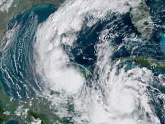 L'uragano Delta ora fa paura