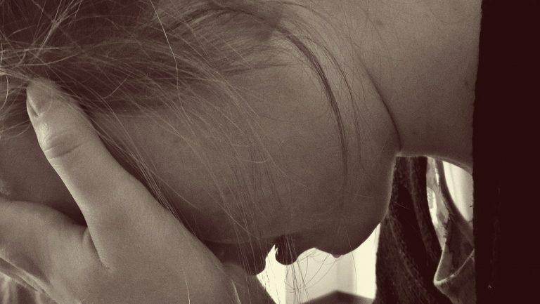 Catechista abusa di adolescente
