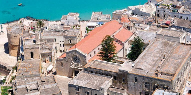 Covid, contagiati al pranzo di cresima a Otranto