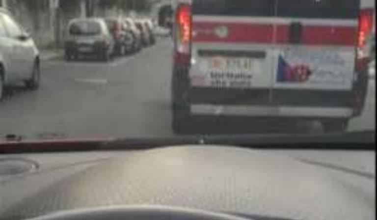 ambulanza che gira a vuoto