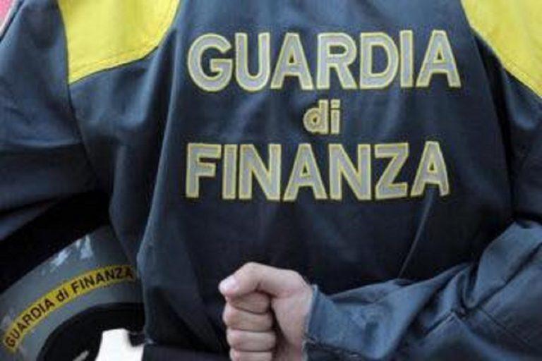 Bonus spesa Covid: scoperti a Napoli 700 abusivi tra ricchi e familiari di camorristi