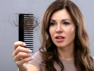 Covid, il 30% dei pazienti colpiti subisce la caduta dei capelli