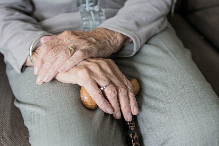 donna anziana positiva dimessa