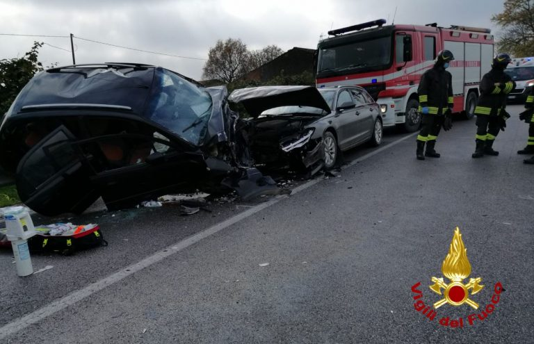 incidente a Rovigo, morto un bimbo di 5 anni, grave la madre