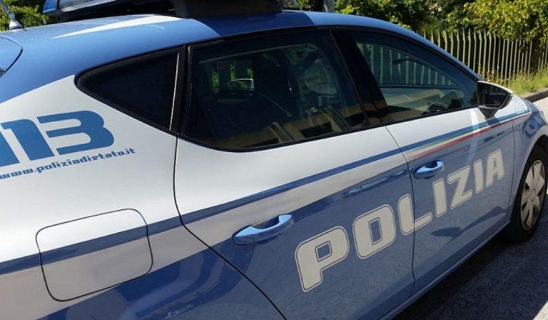Lucca vigilesse aggredite