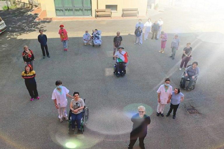 Scoperto a Modena focolaio in centro disabili: 20 positivi