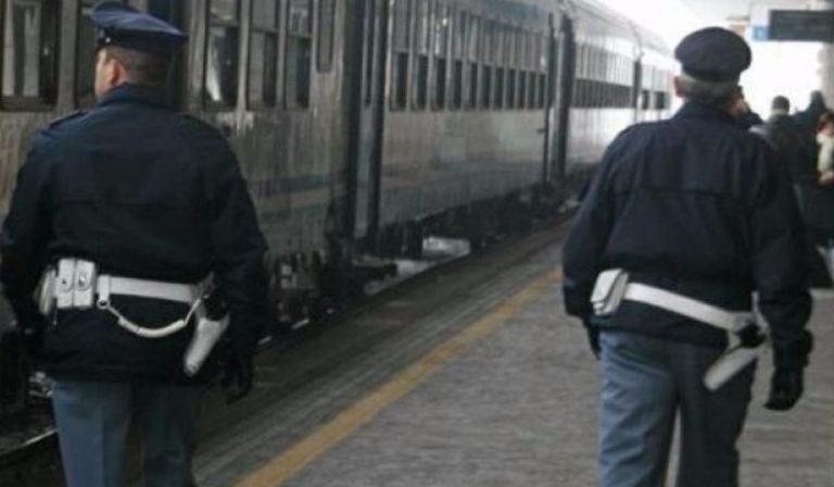 Positivo sale sul treno a Bologna denunciato