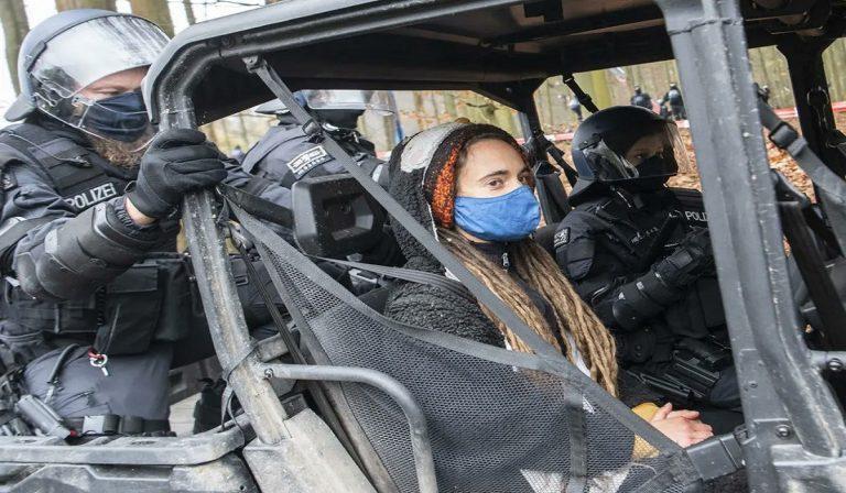 Germania, Carola Rackete arrestata