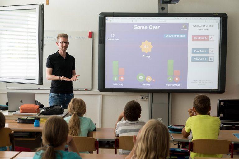 lezione in classe per i ragazzi disabili