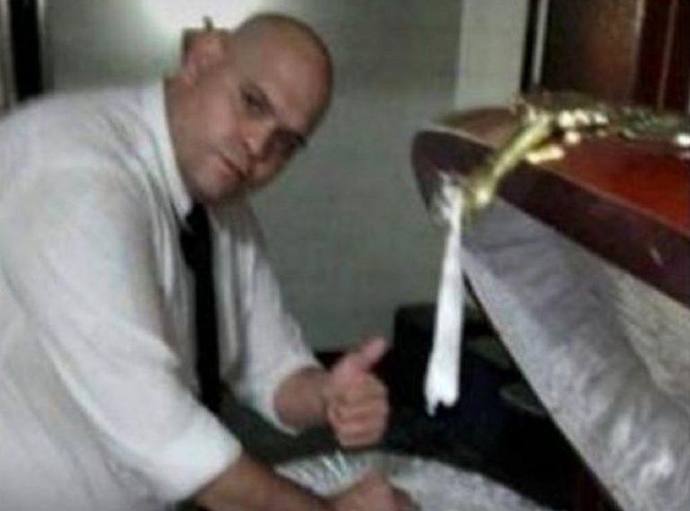 selfie con maradona morto
