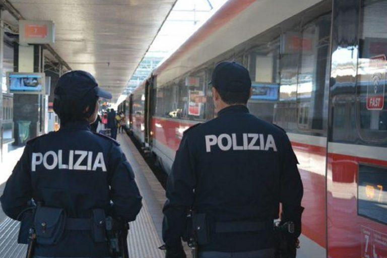 senza mascherina treno roma arrestato