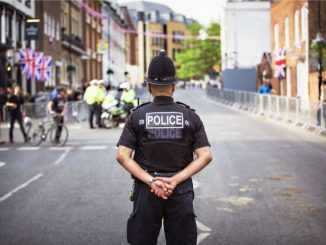 16enne aggredisce poliziotta, i danni sono permanenti