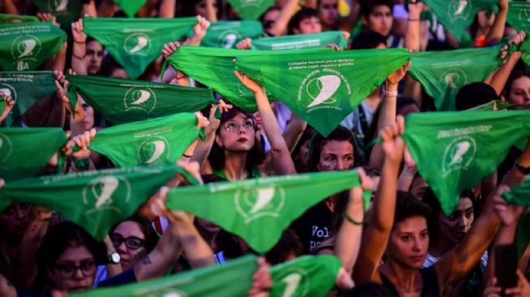 argentina-legge-aborto-approvata