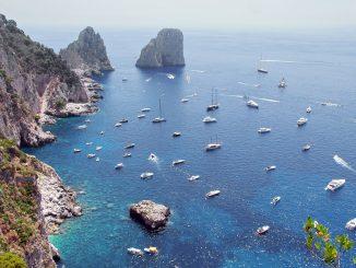 Capri contro De Luca: noi zona gialla