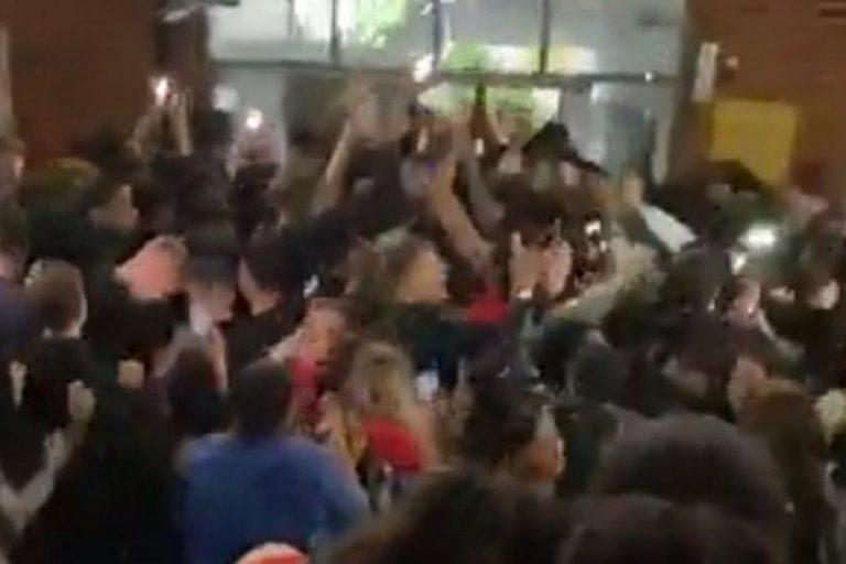 Covid festa campus universitario