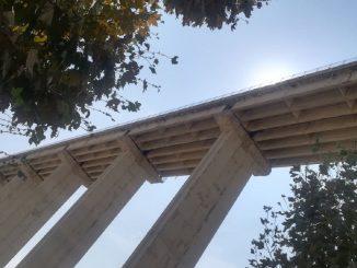 Dalla Puglia all'Abruzzo in auto, si suicida lanciandosi dal ponte
