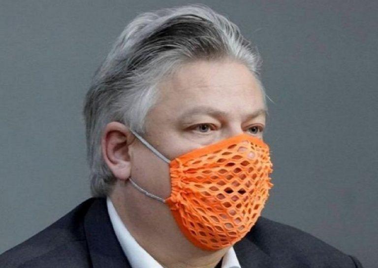 si era presentato in parlamento con la mascherina bucata, ricoverato deputato per covid