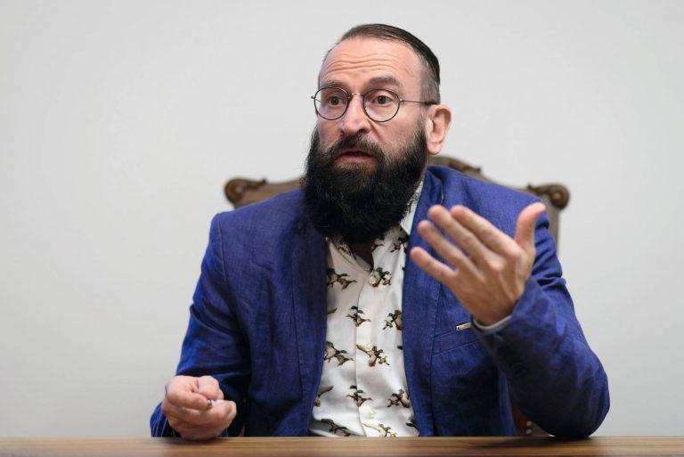 Ungheria, Szájer: orgia con 25 uomini, dimissioni per il deputato