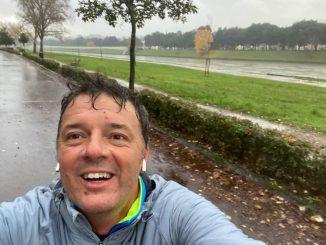 Matteo Renzi ironia sui social