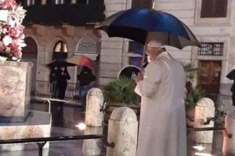 Papa Francesco Piazza di Spagna