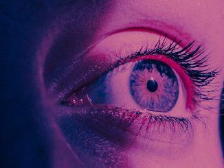 Rivedere i ricordi e zoom ottico, la lente futuristica Lenstore