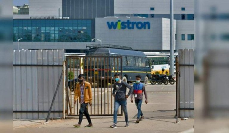 rivolte a bangalore nello stabilimento che produce componenti per gli iPhone